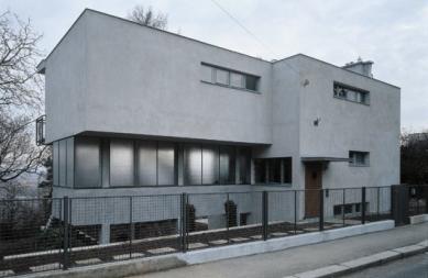 Rekonstrukce Paličkovy vily  - Pohled z ulice - foto: © Tomáš Balej