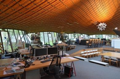 Institut lehkých plochých nosníků na Technické univerzitě ve Stuttgartu - foto: Petr Šmídek, 2018