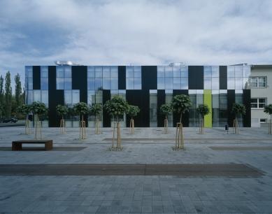 Konverze průmyslového objektu v Ostravě - západní fasáda - foto: Ester Havlová