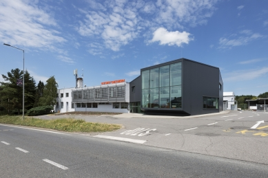 Přístavba administrativní budovy firmy STORY DESIGN v Litomyšli - foto: Ester Havlová