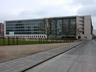 Ministerstvo zahraničních věcí Spolkové republiky Německo - foto: Petr Šmídek, 2002
