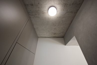 Minimalist Apartment in Prague - foto: COLLARCH a Michal Janků