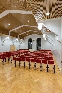 Interiér auly Filozofické fakulty Univerzity Palackého - foto: Zdeněk Sodoma
