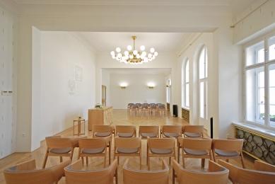 Interiér obřadní síně v Novém Jičíně - foto: Martin Jan Rosa