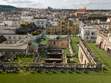 Terasy paláce Lucerna