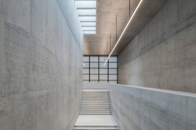 James Simon Gallery