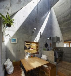 Love2 House - foto: Koji Fujii / Nacasa&Partners Inc
