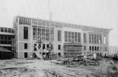 Radnice vBoulogne-Billancourt - Fotografie z průběhu stavby