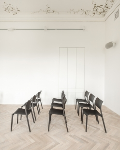 Interiér obřadní síně ve Svitavách - foto: Vojtěch Veškrna