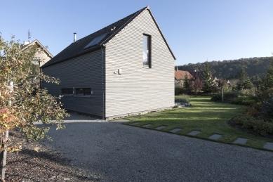 Nízkoenergetický rodinný dům v CHKO Český kras - foto: Vavřinec Menšl