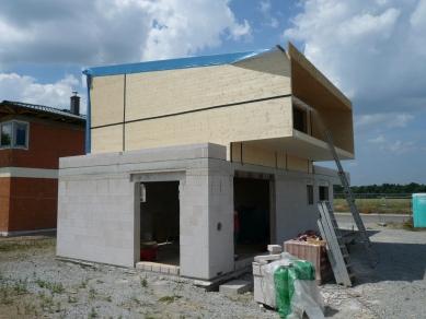 Rodinný dům Cholupice - Ze stavby