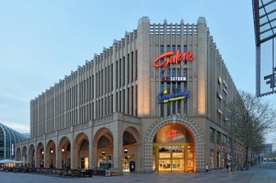 Návrh fasády obchodního domu Roter Turm - foto: Petr Šmídek, 2019
