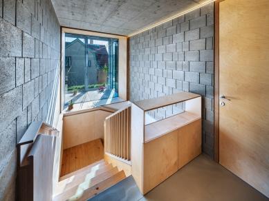 House in a Steel Corset - foto: Aleš Jungmann