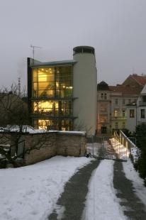 Dům s ateliérem na Kamenné - foto: Ester Havlová