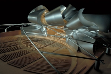 Millennium Park - Model of the Jay Pritzker Pavilion - foto: Courtesy of Gehry Partners, LLP