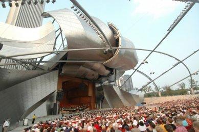Millennium Park - Jay Pritzker Pavilion during a performance by the Chicago Symphony Orchestra - foto: © Dan Rest