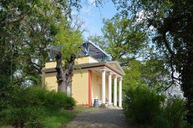 Chrám Pomona na kopci Pfingstberg - foto: Petr Šmídek, 2019