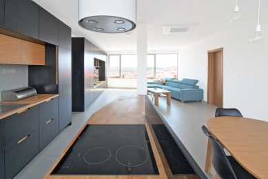 Interiér bytu ve střešní nástavbě v Pardubicích - foto: Ing. arch. Petra Měrková