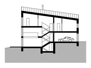 Dům se šikmou střechou - Podélný řez - foto: Stempel & Tesar architekti