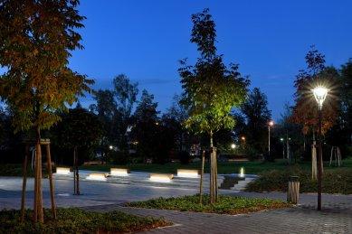 Park okolo kulturního domu v Hlučíně - foto: Roman Polášek
