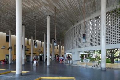 Bus Station in Córdoba - foto: Petr Šmídek, 2018