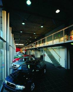 Autocentrum Auto Bohemia - foto: © Ester Havlová