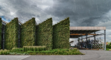 Průmyslová hala Liko-Vo - foto: JanMorbacher aAdam Kolbábek