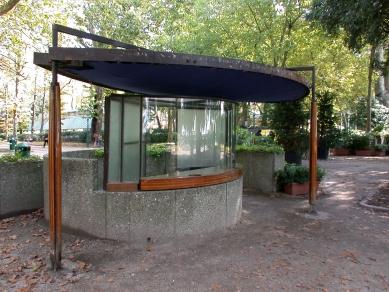Ticket booth for the Venice Biennale - foto: Petr Šmídek, 2002