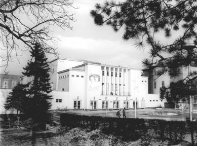 Kongresové centrum Nový výmarský sál - Historický snímek ze 70. let