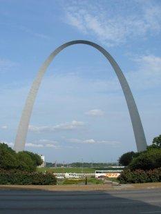 Gateway Arch - Východní pohled - foto: David K. Staub