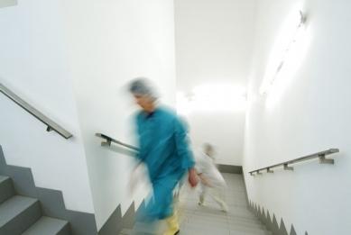 Interiéry administrativní a výrobní budovy v Hodoníně - Schodiště - foto: © Andrea Lhotáková