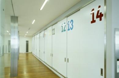 Interiéry administrativní a výrobní budovy v Hodoníně - Archiv - foto: © Andrea Lhotáková