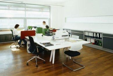 Interiéry administrativní a výrobní budovy v Hodoníně - Kancelář - foto: © Andrea Lhotáková