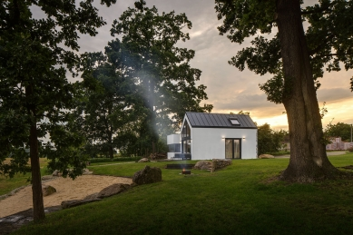 Dům u rybníka - foto: Tomáš Dittrich