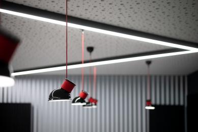 Rekonstrukce víceúčelového sálu SOUE Vejprnická - foto: Matěj Hošek