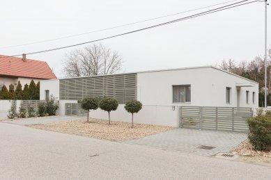Atriový rodinný dům Klapka - foto: Balázs Danyi