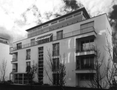 Tři bytové domy na Luzerner Ring - Pohled na severovýchodní fasádu - foto: © Jura Oplatek Architekt SIA
