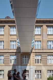 Spojovací lávky VŠCHT Praha - foto: BoysPlayNice
