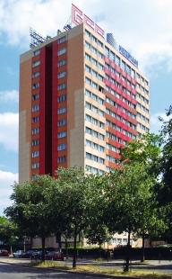 Rekonstrukce věžového domu Bois-le-Prêtre - Snímek z 90.let