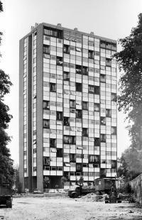 Rekonstrukce věžového domu Bois-le-Prêtre - Snímek z 60.let