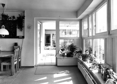 LiMa residential courtyard - foto: Uwe Rau