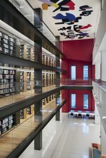 Knihovna Nadace Stavrose Niarchose - foto: John Bartelstone