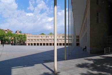 Radnice Logroño - foto: Petr Šmídek, 2011