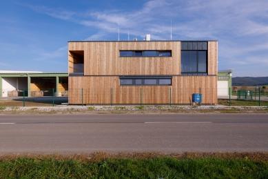 Administrativní budova Partizánske - foto: Milan Hutera