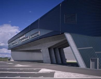 BMW Plant, Central Building - foto: © Hélène Binet