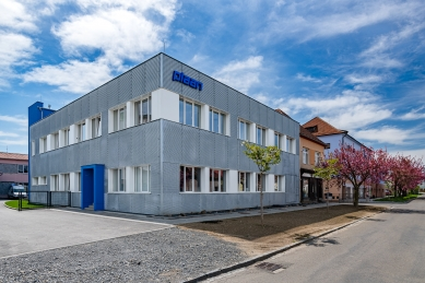 Rekonverze haly na sídlo firmy - foto: Jakub Šnábl