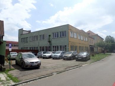 Rekonverze haly na sídlo firmy - Původní stav