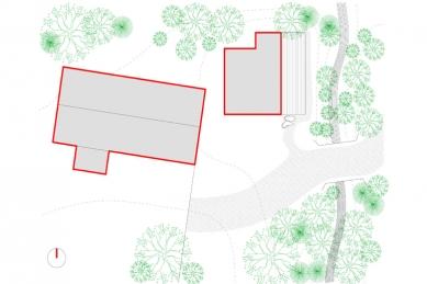Dřevěný dům pod Červenou roklí - Situace