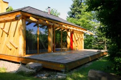 Dřevěný dům pod Červenou roklí - foto: Vavřinec Menšl