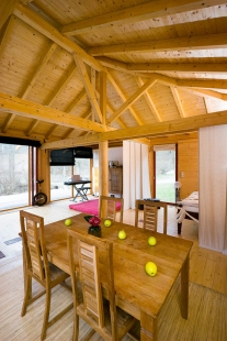 Dřevěný dům pod Červenou roklí - foto: René Jakl